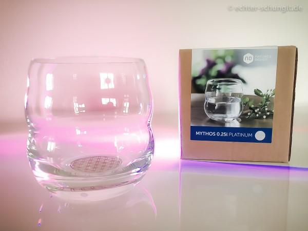 Becher aus Glas 0,25 l - selbstaufrichtend mit Lebensblume Platinium