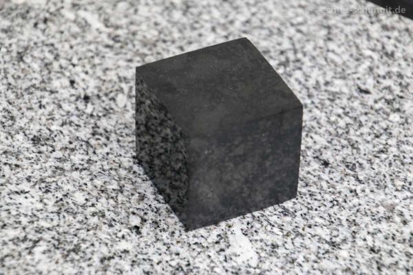 SCHUNGIT WÜRFEL matt 5 cm